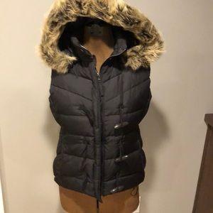 J crew puffer vest with detachable faux fur hood